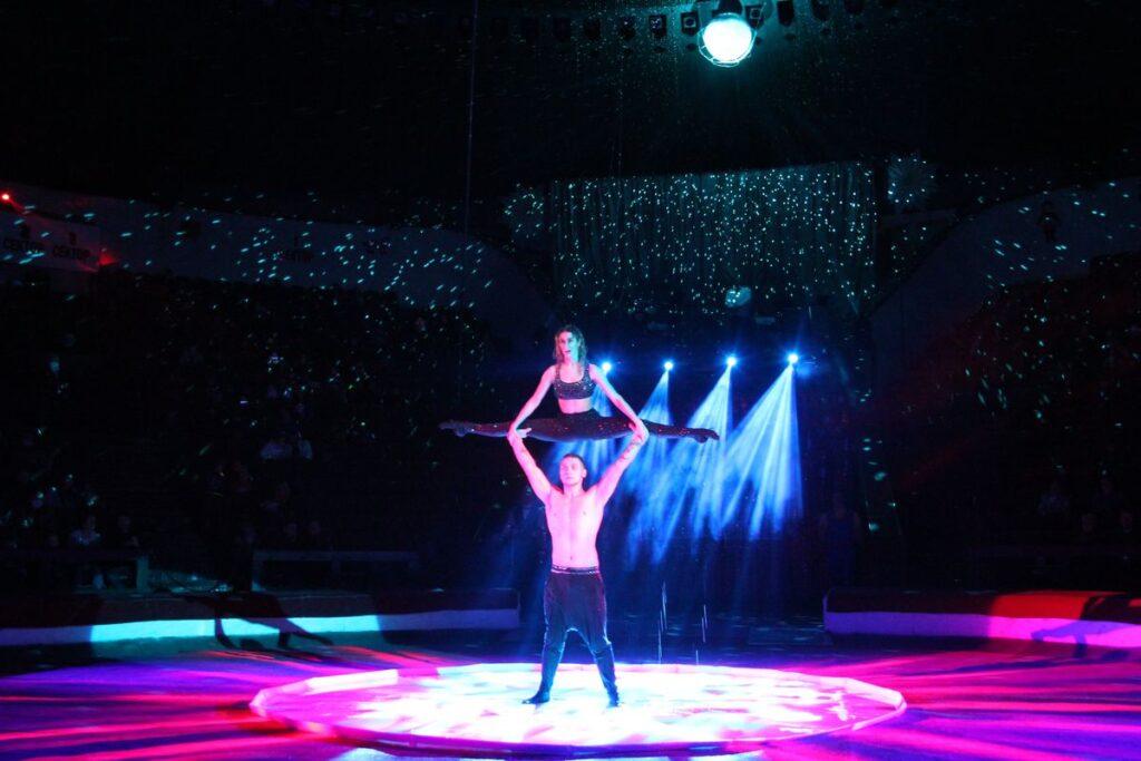 Гимнасты в Днепровском цирке