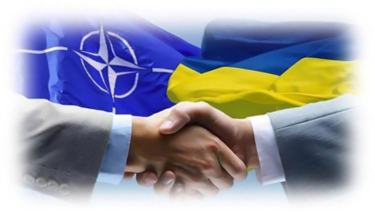 Україна почала отримувати від НАТО засоби для боротьби з коронавірусом