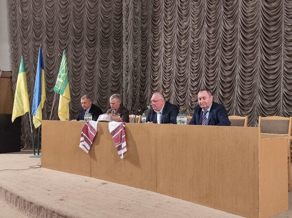 «Ми повинні бути як ніколи дружними»: фермери Дніпровщини створюють політичну платформу