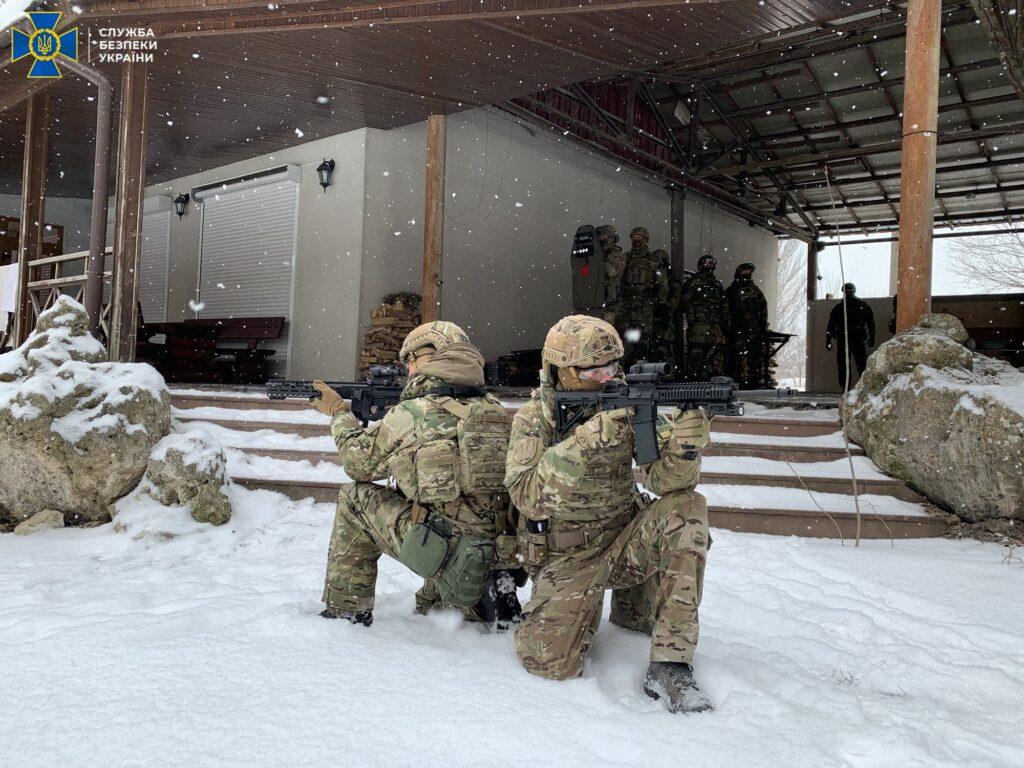 На Дніпропетровщині СБУ провела антитерористичні навчання на військових об'єктах