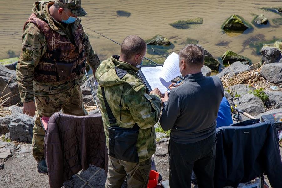 З початку нересту на Дніпропетровщині затримали понад 220 браконьєрів