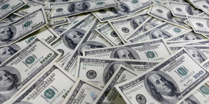 Заступник мера Павлограда задекларував 28 тисяч долларів готівкою