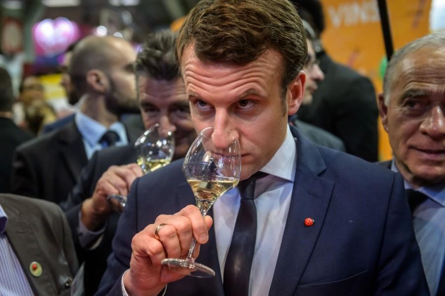 Будьмо!: Президент Франції згадав Україну під час відкриття літніх терас