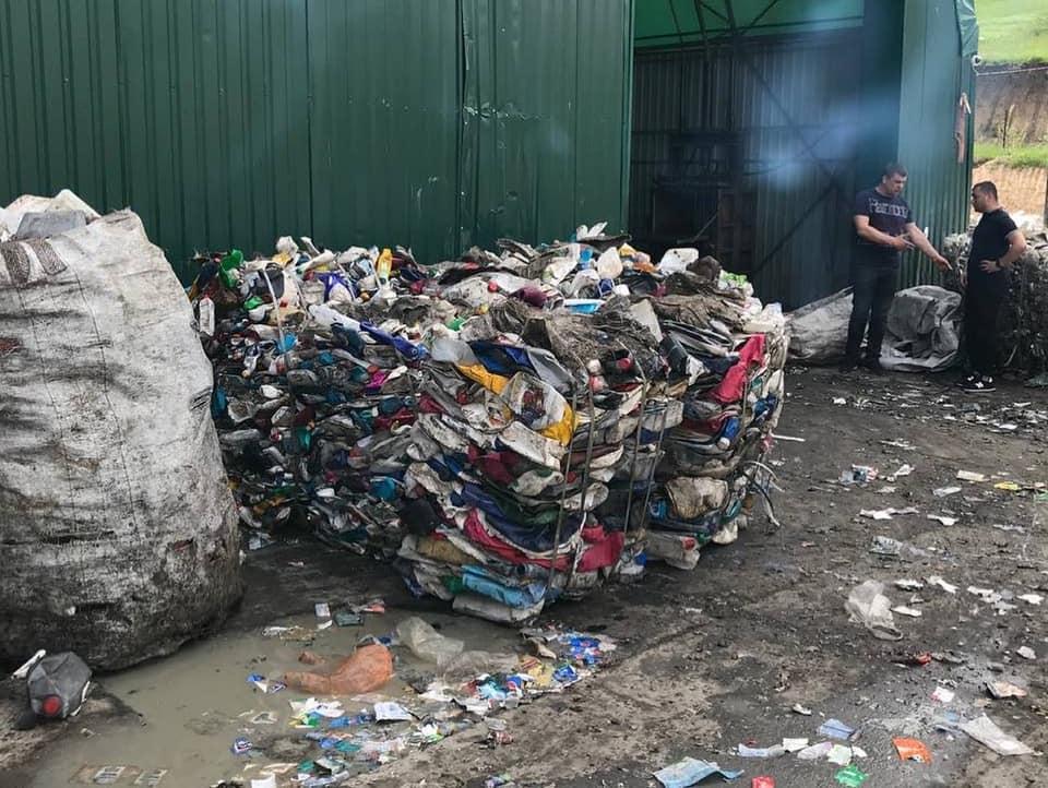 Для молоді Дніпра влаштували екскурсію на сміттєзвалище