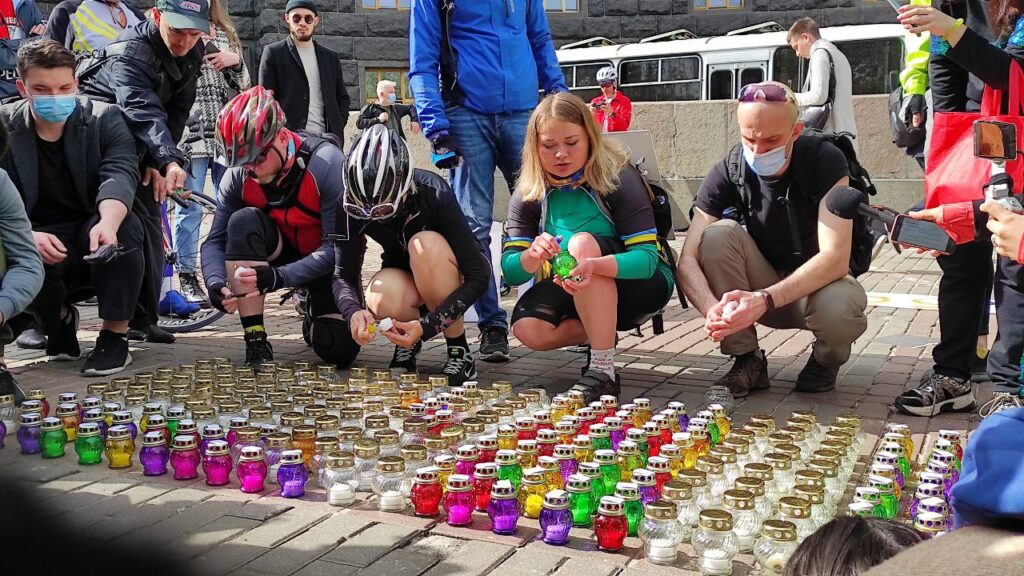 Велоспільнота вшанувала пам'ять вбитої під Києвом велосипедистки і висунула Кабміну чотири вимоги