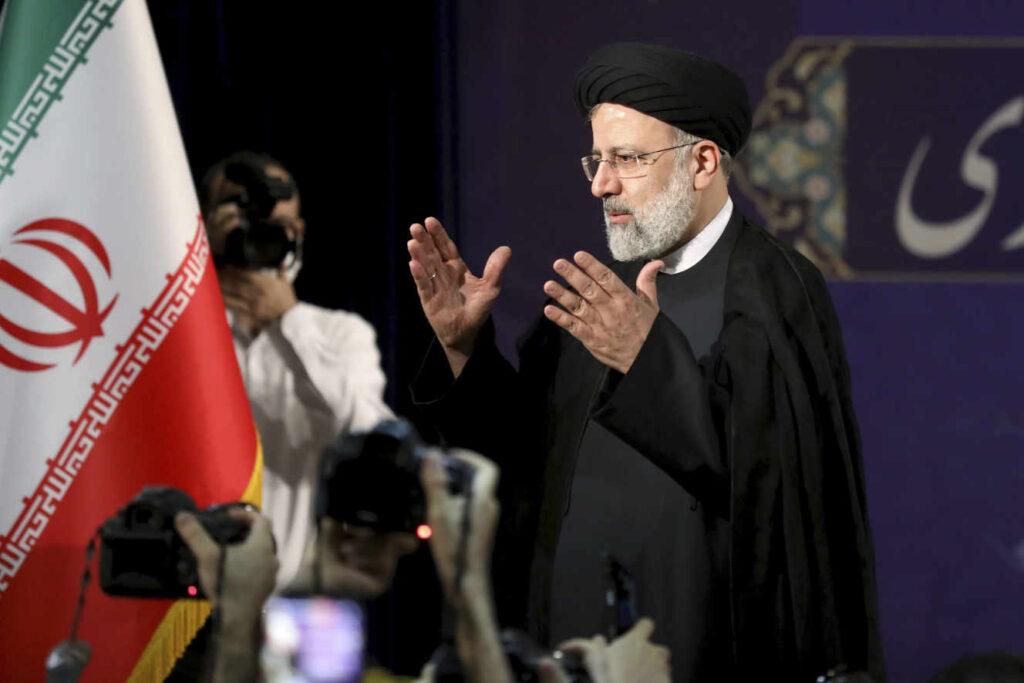В Ірані влада затвердила список кандидатів у президенти, відсторонивши від участі опозицію