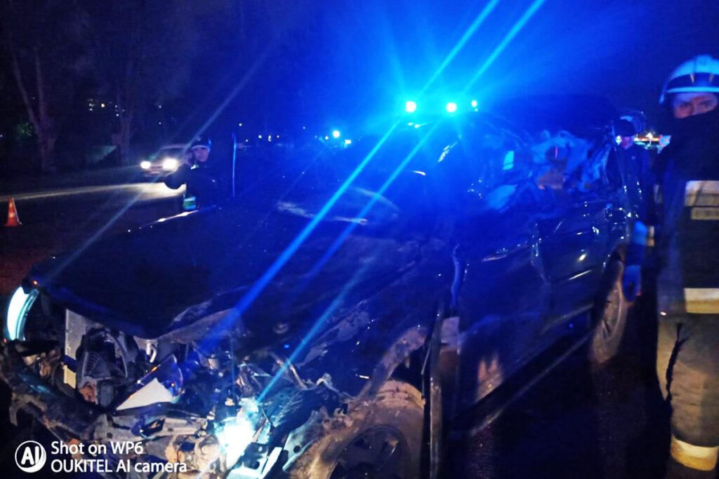 ДТП в Дніпрі: тіло загиблого водія позашляховика вирізали із понівеченої автівки