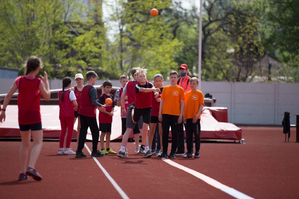 У Дніпрі відбувся фінал чемпіонату міста з легкої атлетики серед школярів