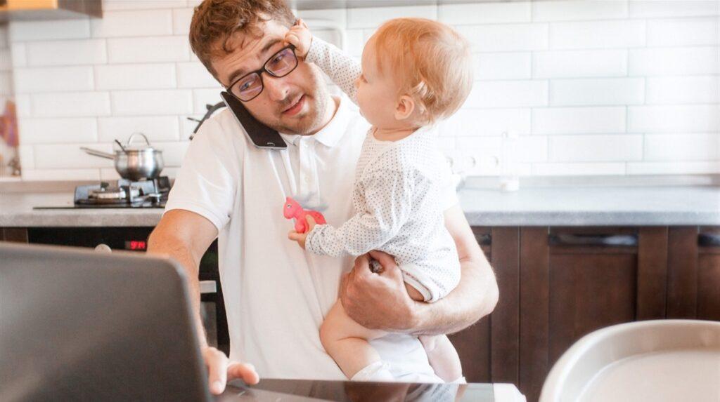 Президент України підписав закон про забезпечення рівних прав матері й батьку в отриманні відпустки для догляду за дитиною