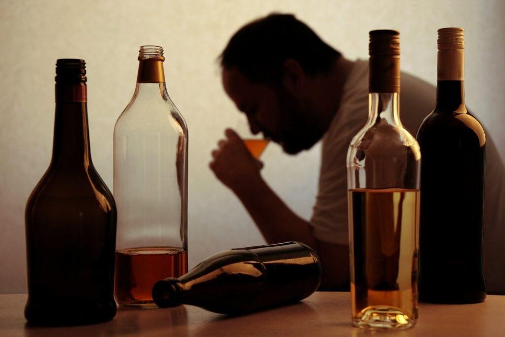 Смертність від алкоголю в Україні знизилася втричі