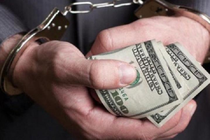 На Дніпропетровщині за хабар у 10000 гривень будуть судити замначальника поліції