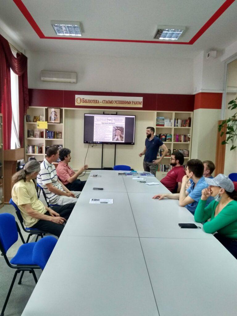 На першій зустрічі клубу UAgóra обговорили кризу демократії