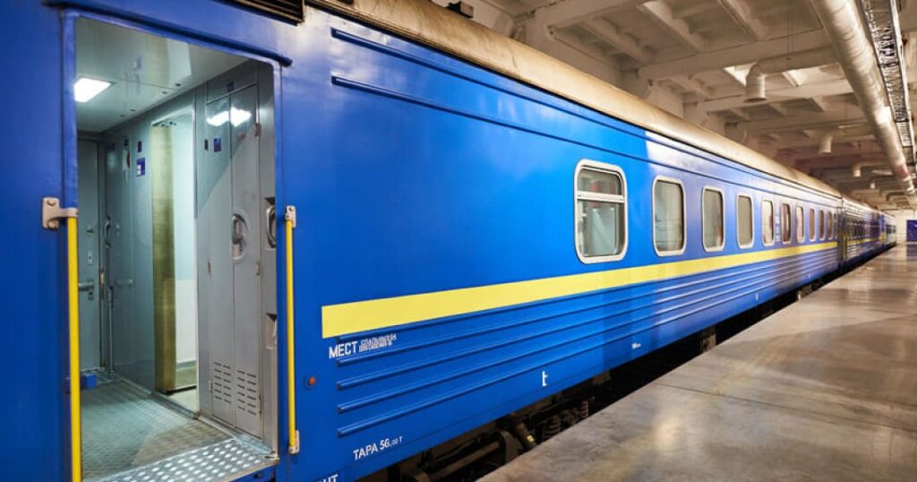 Держава планує виділити понад 40 млрд грн на оновлення пасажирських вагонів