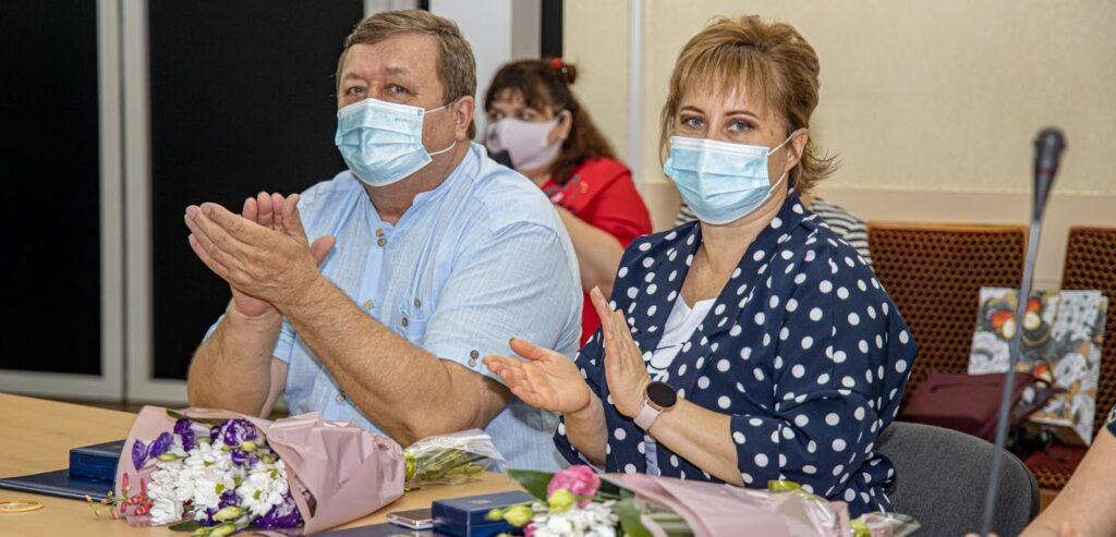 У ДніпроОДА вручили відзнаки понад 40 медикам регіону