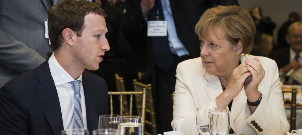 У Німеччині збираються закрити сторінки органів влади у Facebook