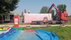 У Дніпрі в парку Сагайдак демонтували незаконні МАФи