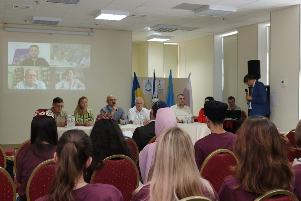 """У Дніпрі вперше проходить міжрелігійний молодіжний семінар """"Ковчег – 2021"""""""