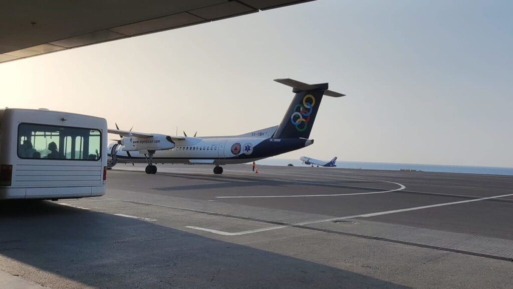 Близько сотні туристів з Дніпра застрягли в аеропорту на Криті