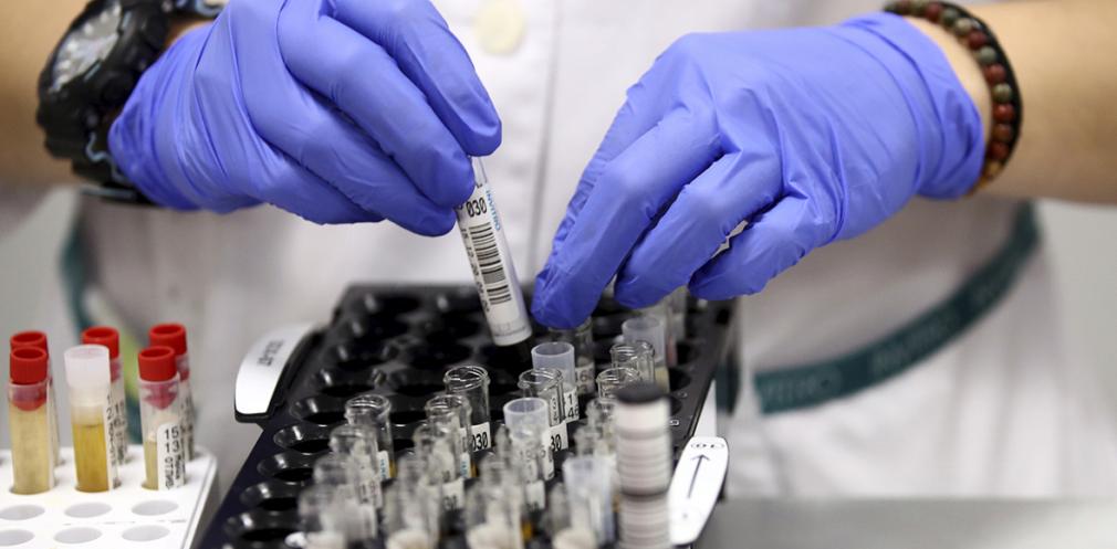 На Дніпропетровщині 889 нових випадків коронавірусу за добу