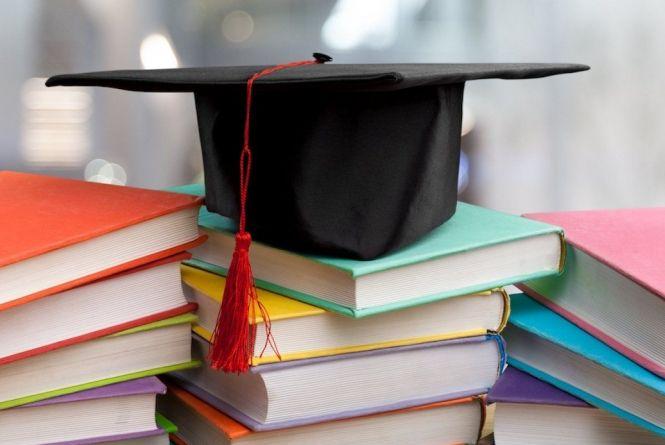 Перші підсумки вступної кампанії 2021 в університетах Дніпра