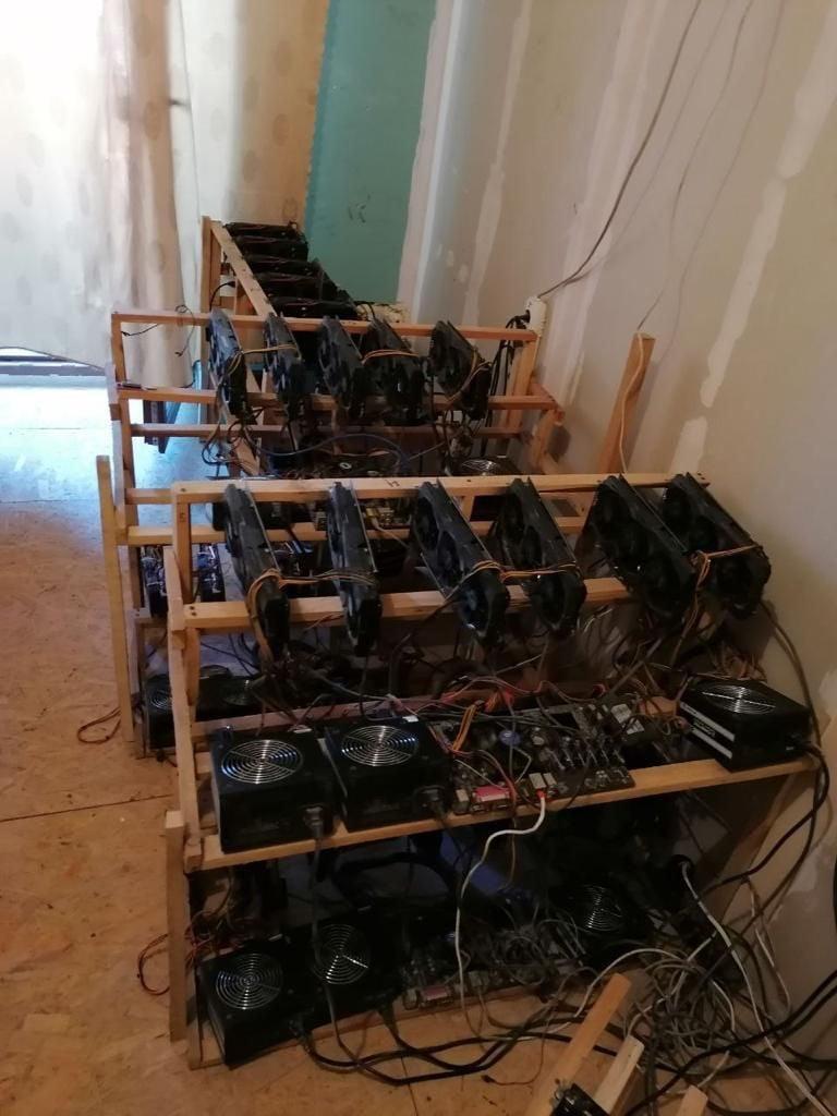 У Кривому Розі викрили  майнінгову ферму криптовалюти у квартирі