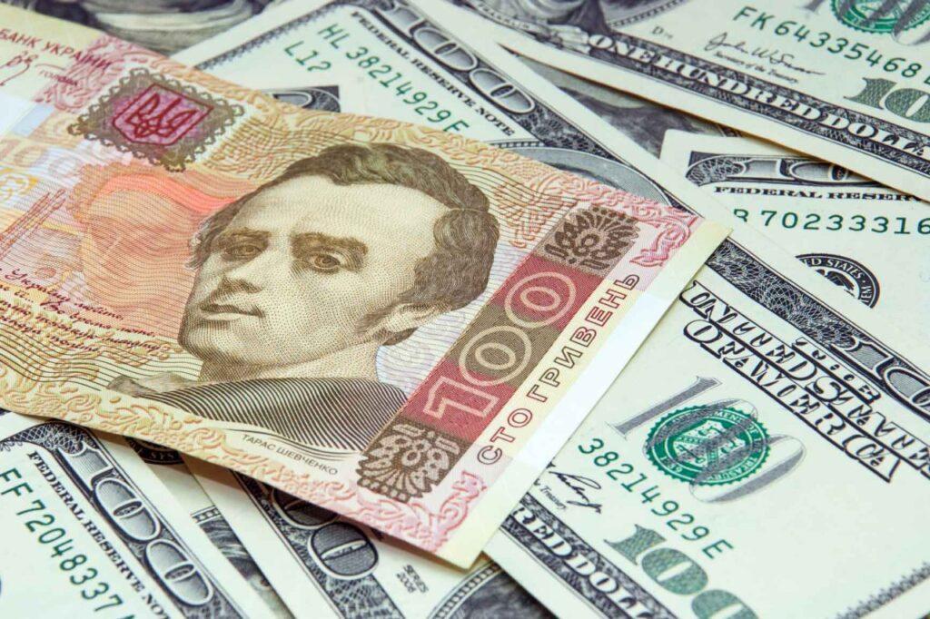 Уряд передбачає падіння гривні в 2022 році — проект держбюджету